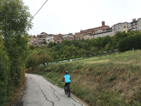 Fietsen in Piemonte Cuneo Noord Italië (11)