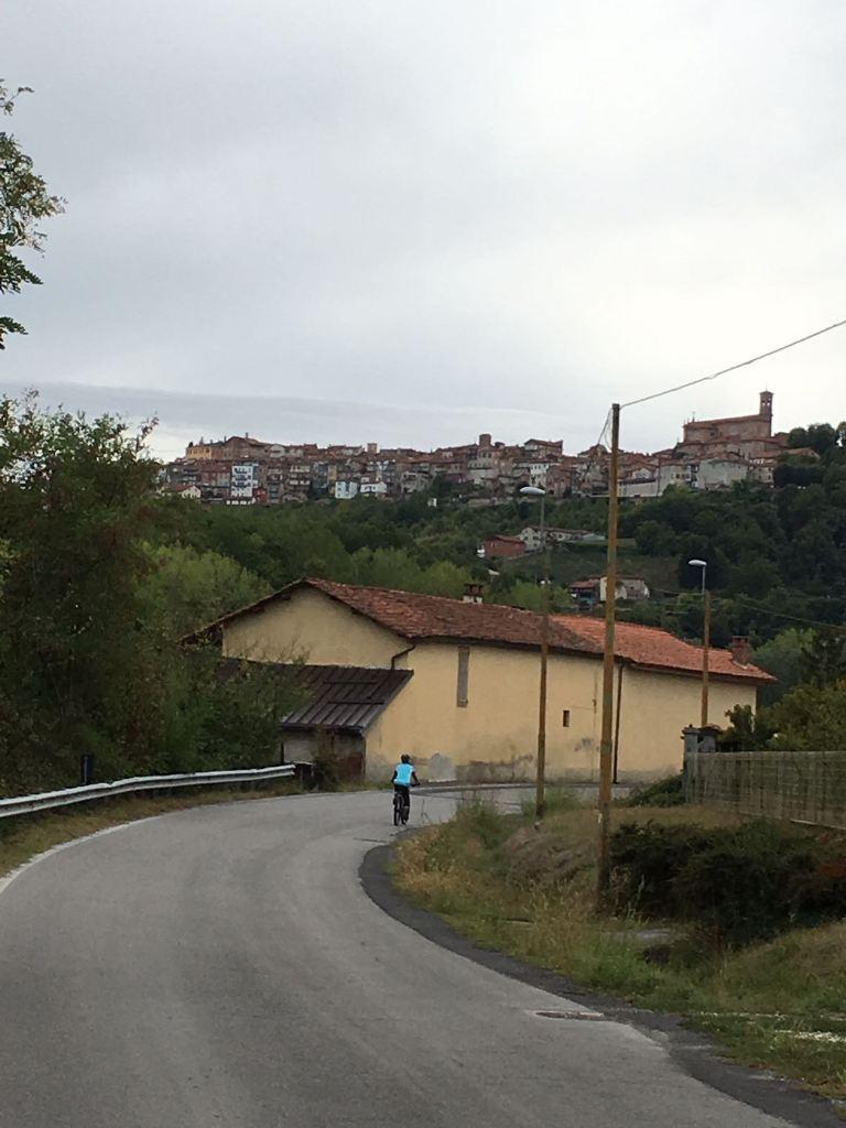 Fietsen in Piemonte Cuneo Noord Italië (12)