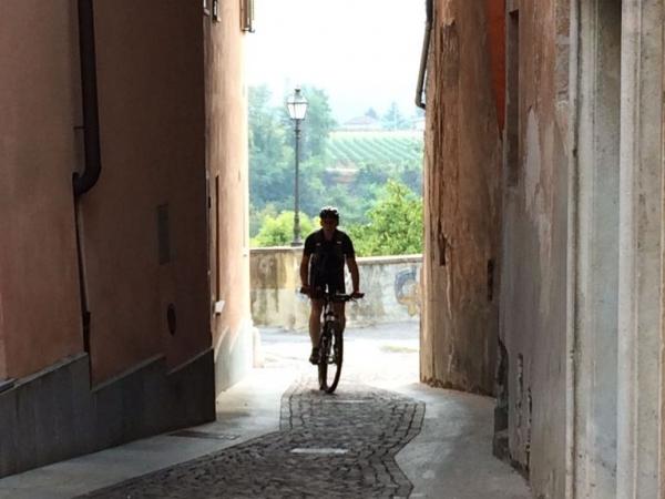 Fietsen in Piemonte Cuneo Noord Italië (15)