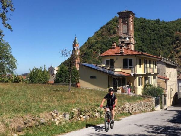 Fietsen in Piemonte Cuneo Noord Italië (17)