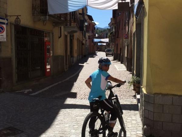 Fietsen in Piemonte Cuneo Noord Italië (18)