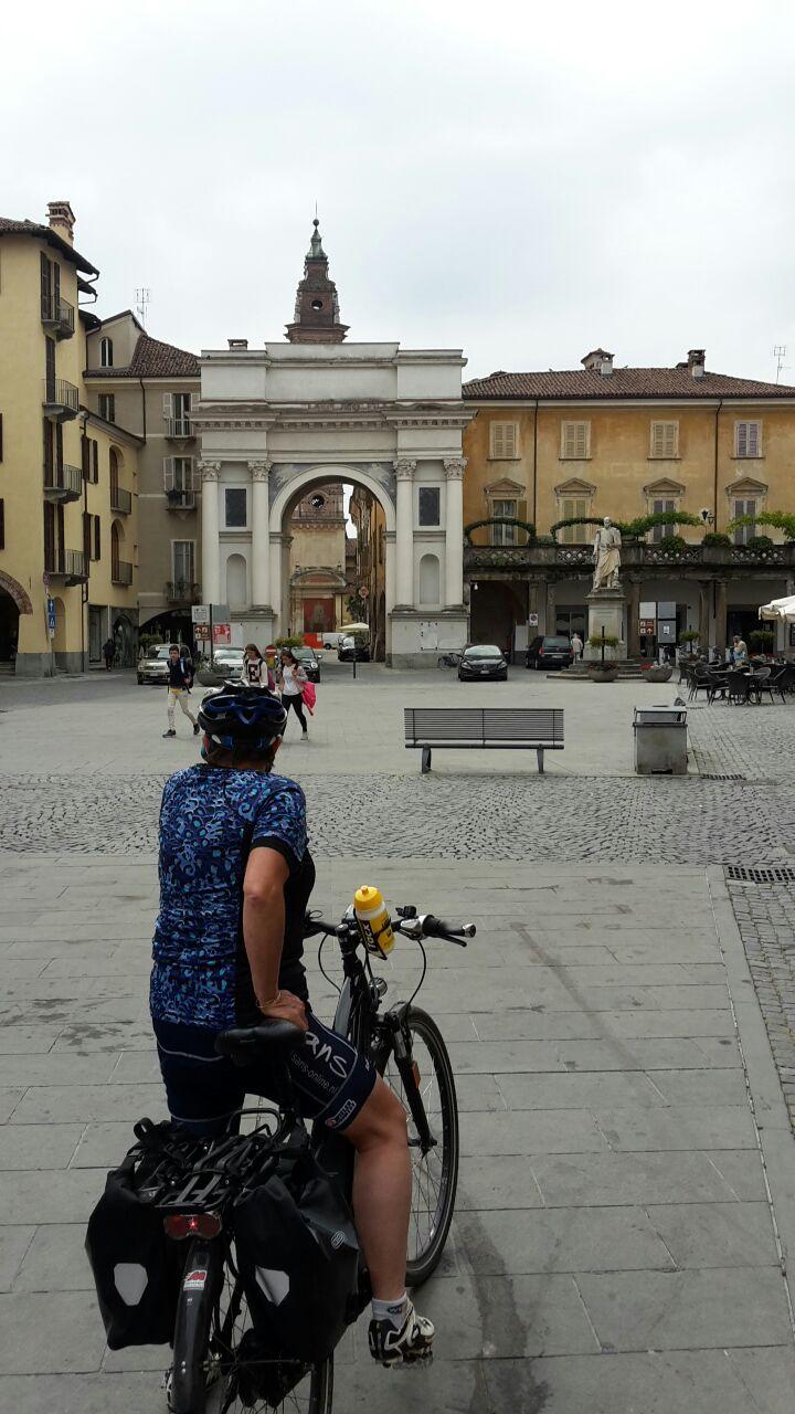 Fietsen in Piemonte Cuneo Noord Italië (2)