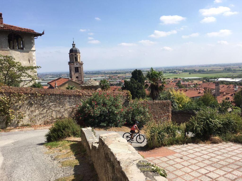 Fietsen in Piemonte Cuneo Noord Italië (24)