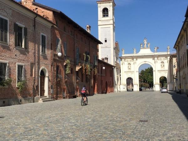 Fietsen in Piemonte Cuneo Noord Italië (28)