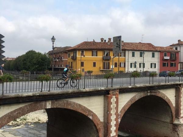 Fietsen in Piemonte Cuneo Noord Italië (3)