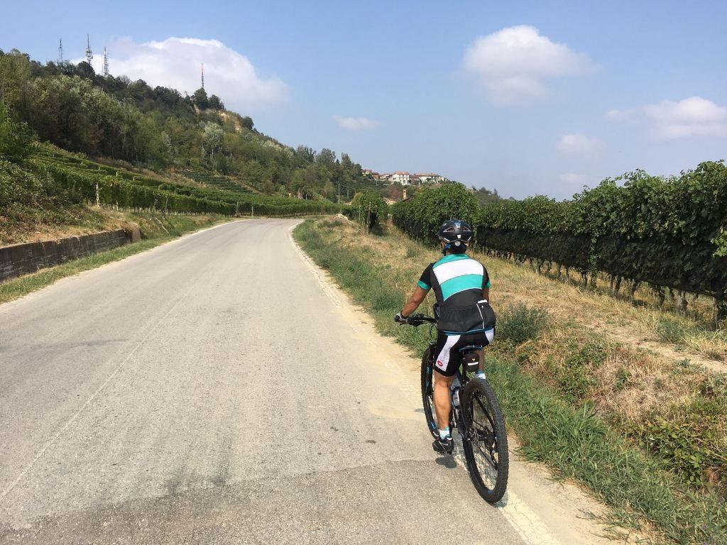 Fietsen in Piemonte Cuneo Noord Italië (8)