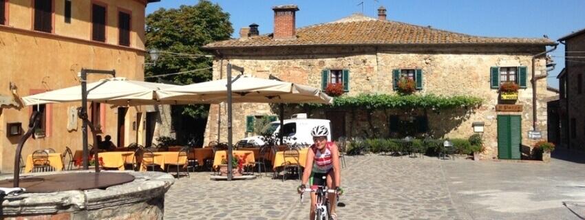Fietsvakantie Italie - wielrenner racefiets Toscane